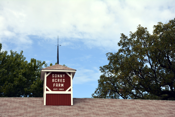 Sonny Acres Farm Red Barn Illinois