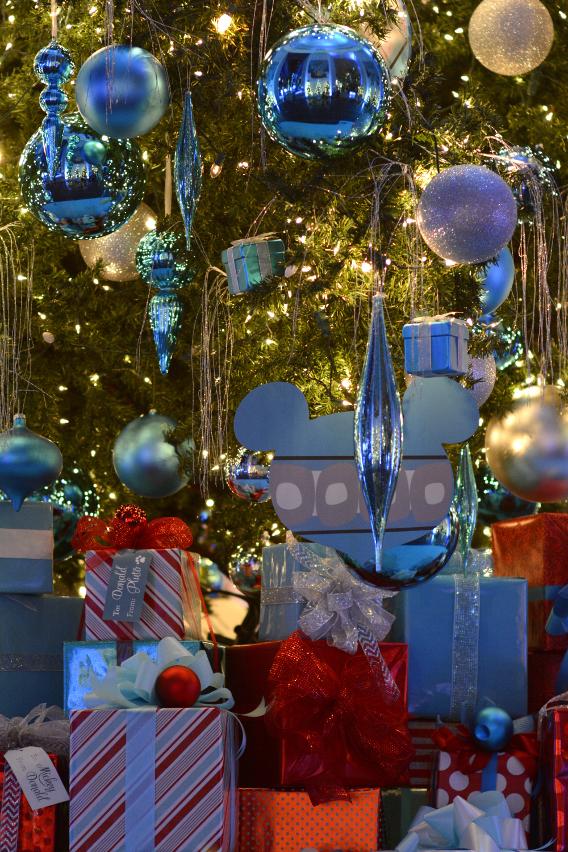 Disney Christmas Ornaments Chicago 2014