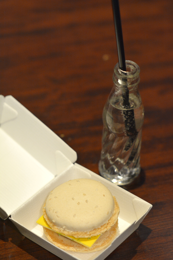 Sofitel Chicago Mini Cream Soda and Burger Macarons