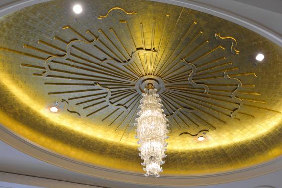 Peninsula Chicago Lobby Ceiling