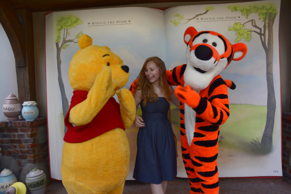 Sed Bona with Winnie the Pooh and Tigger 4