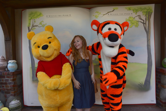 Sed Bona with Winnie the Pooh and Tigger 3