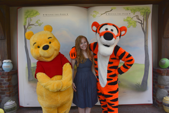Sed Bona with Winnie the Pooh and Tigger 2