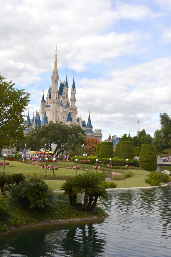 Magic Kingdom Cinderella's Castle and Lake