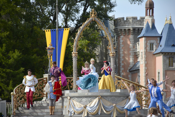 Princess Performance at Cinderella's Castle 3