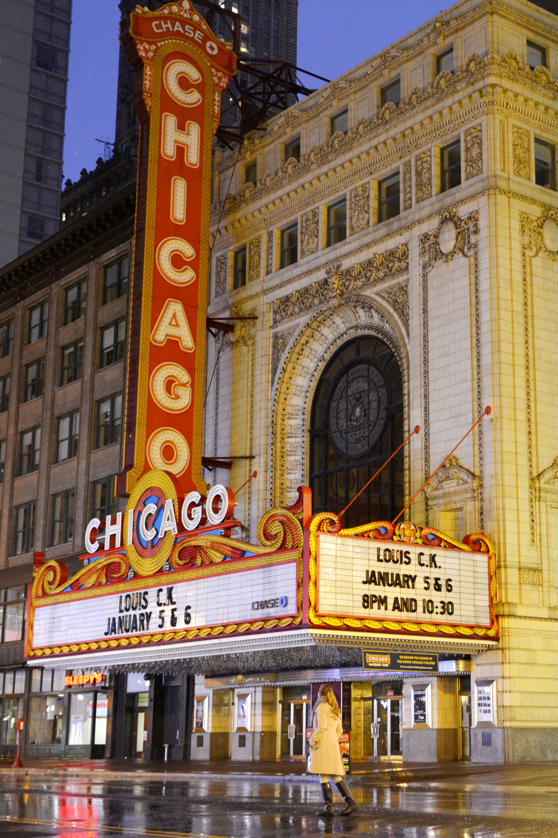 Chicago Theatre with Sed Bona 1