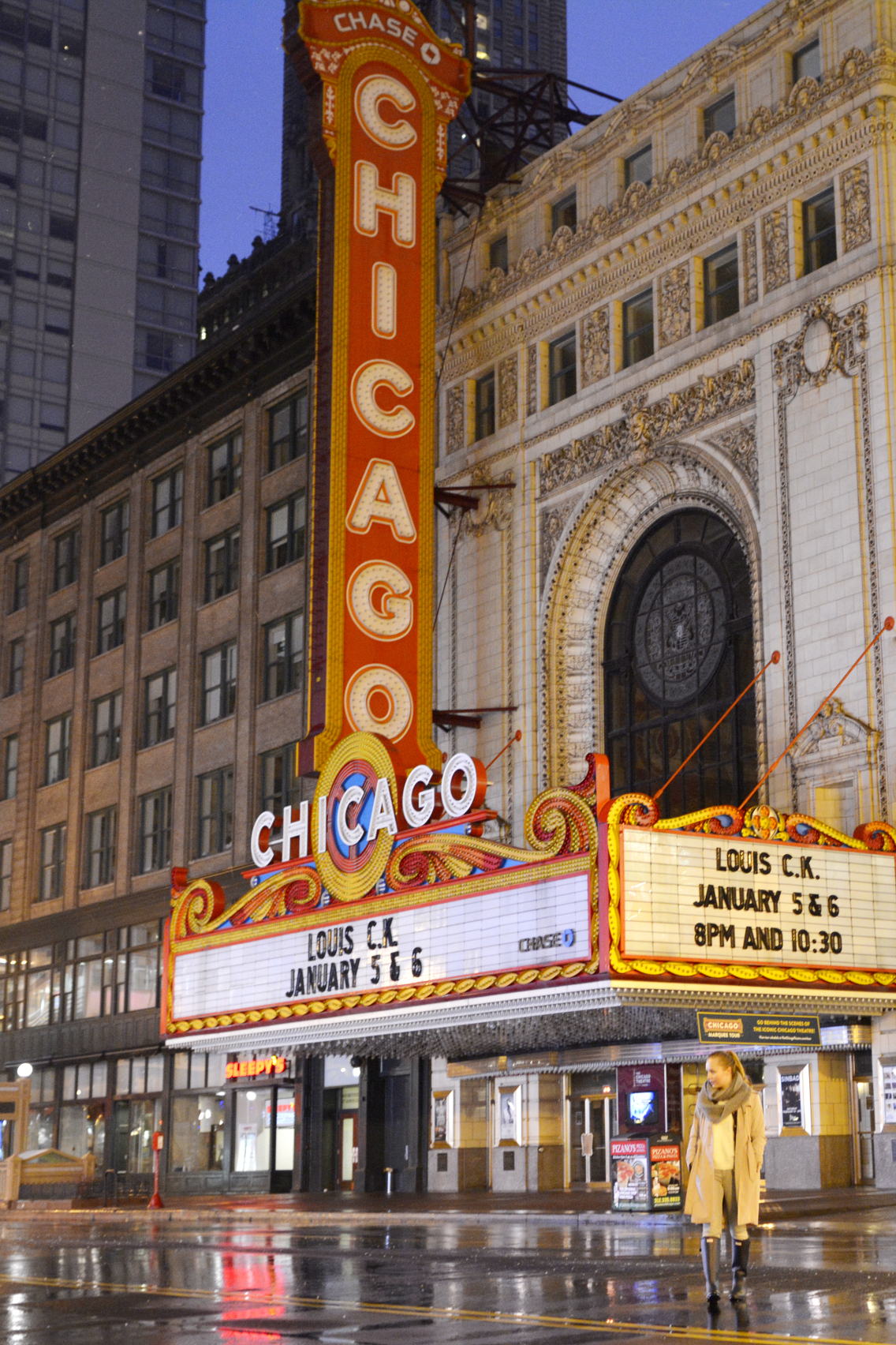 Chicago Theatre with Sed Bona 3