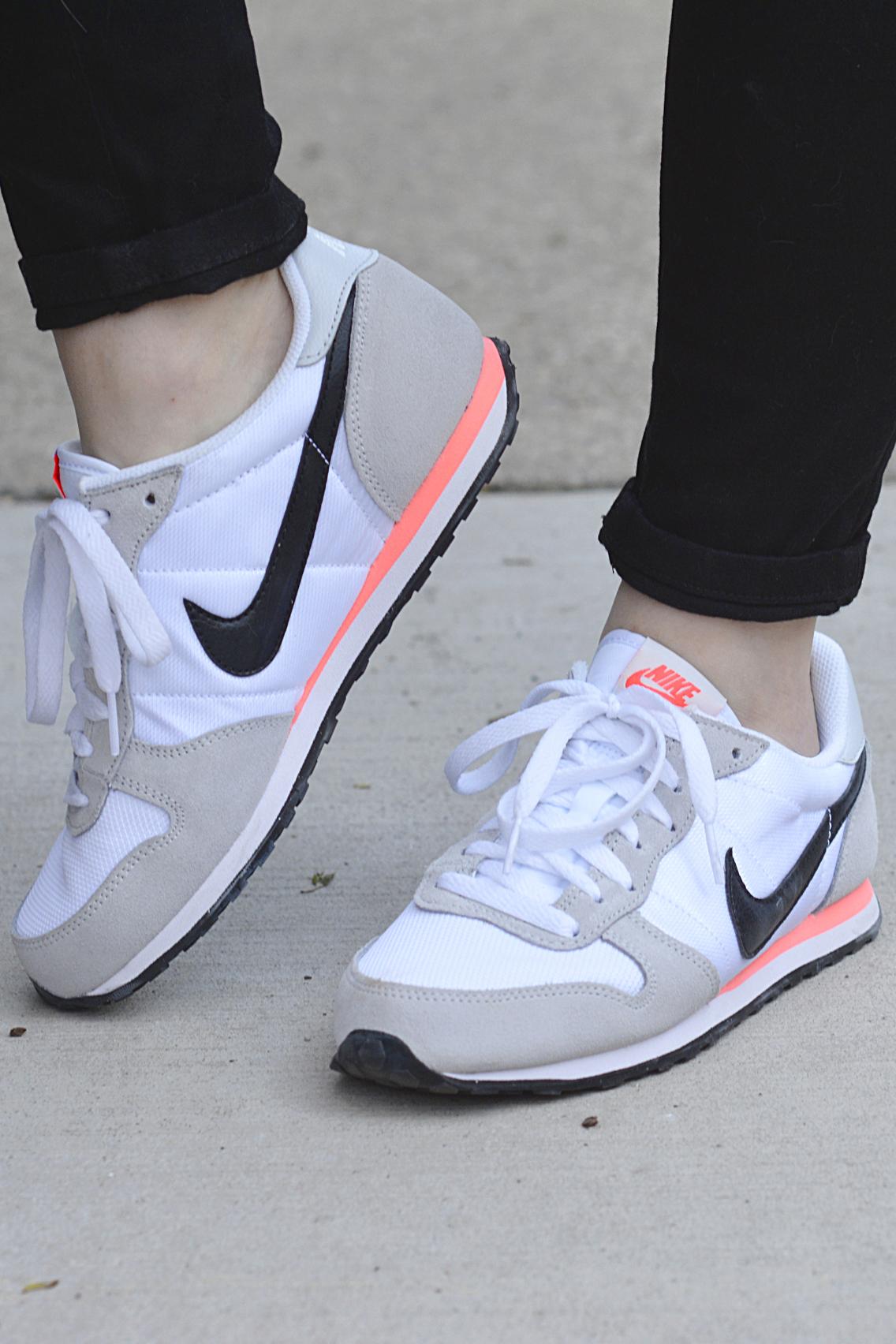 Nike Genicco White Sneaker