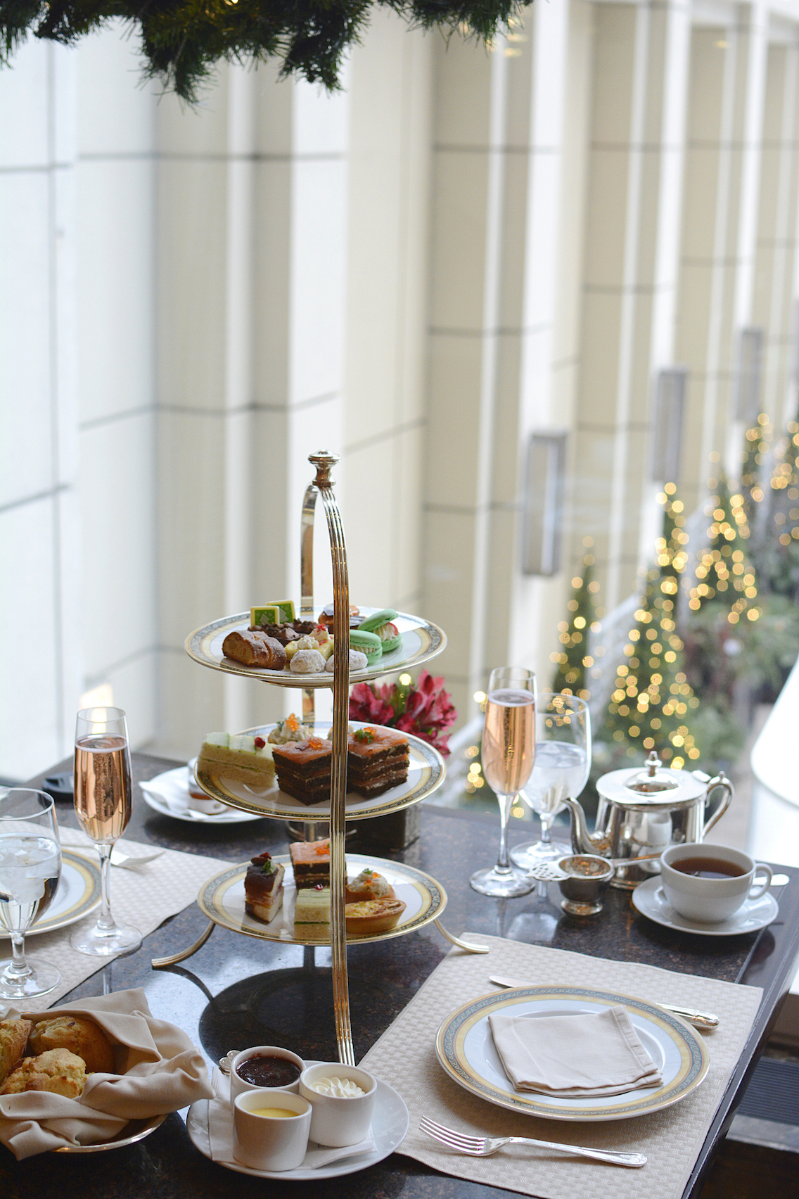 Peninsula Chicago Holiday Afternoon Tea 2015 15