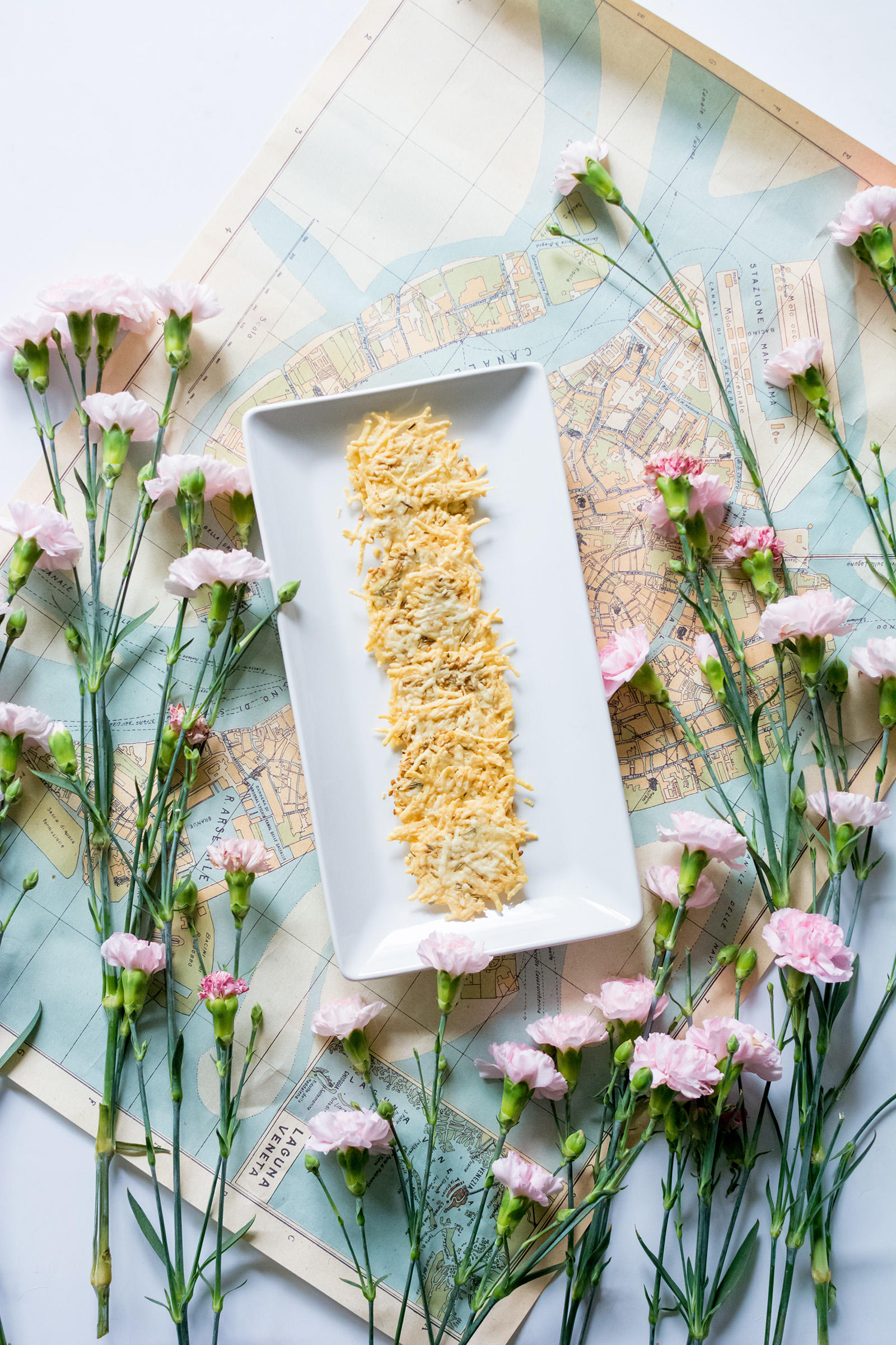 Rosemary Parmesan Cheese Flax Seed Crackers