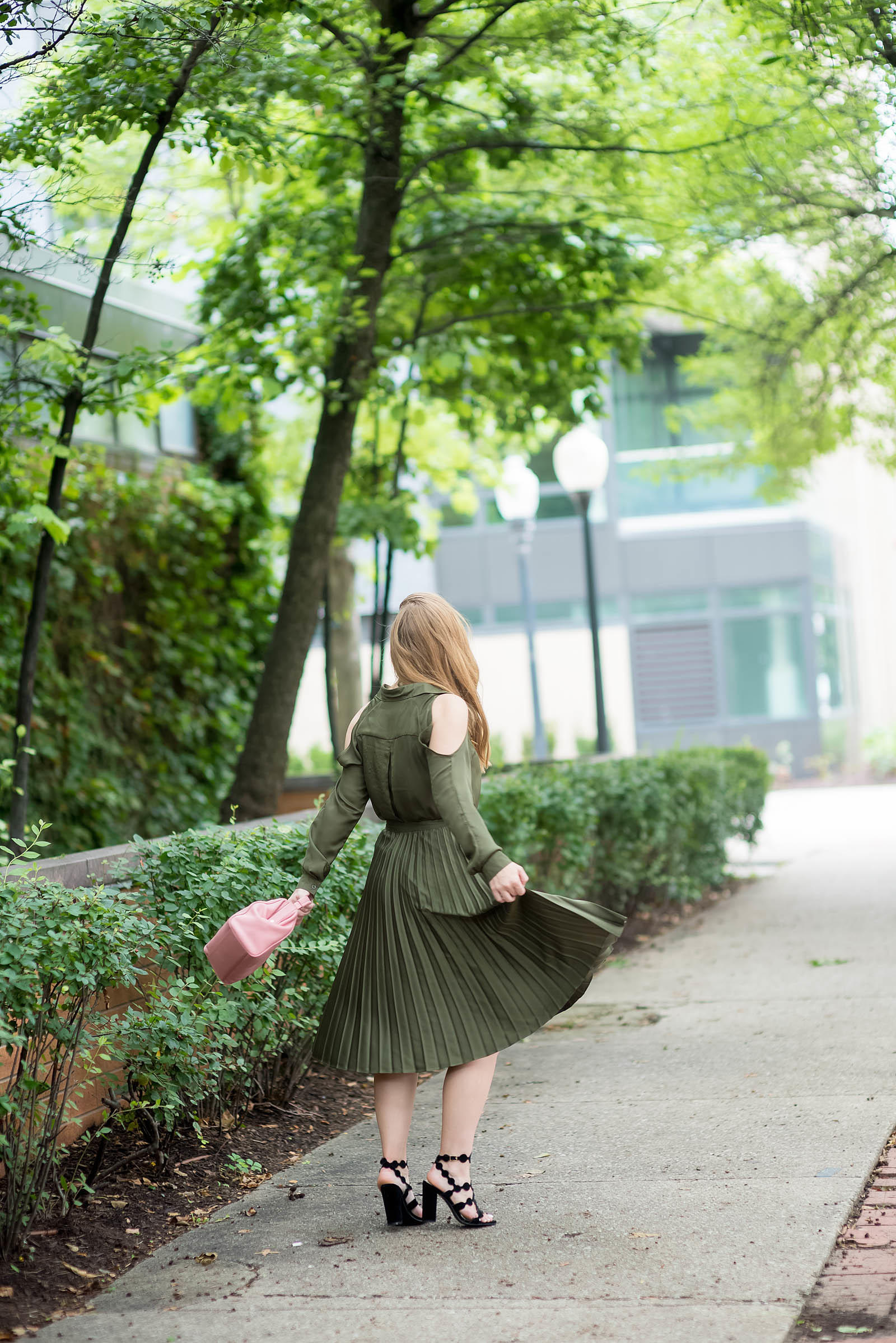 Army Green Pink Outfit Inspiration