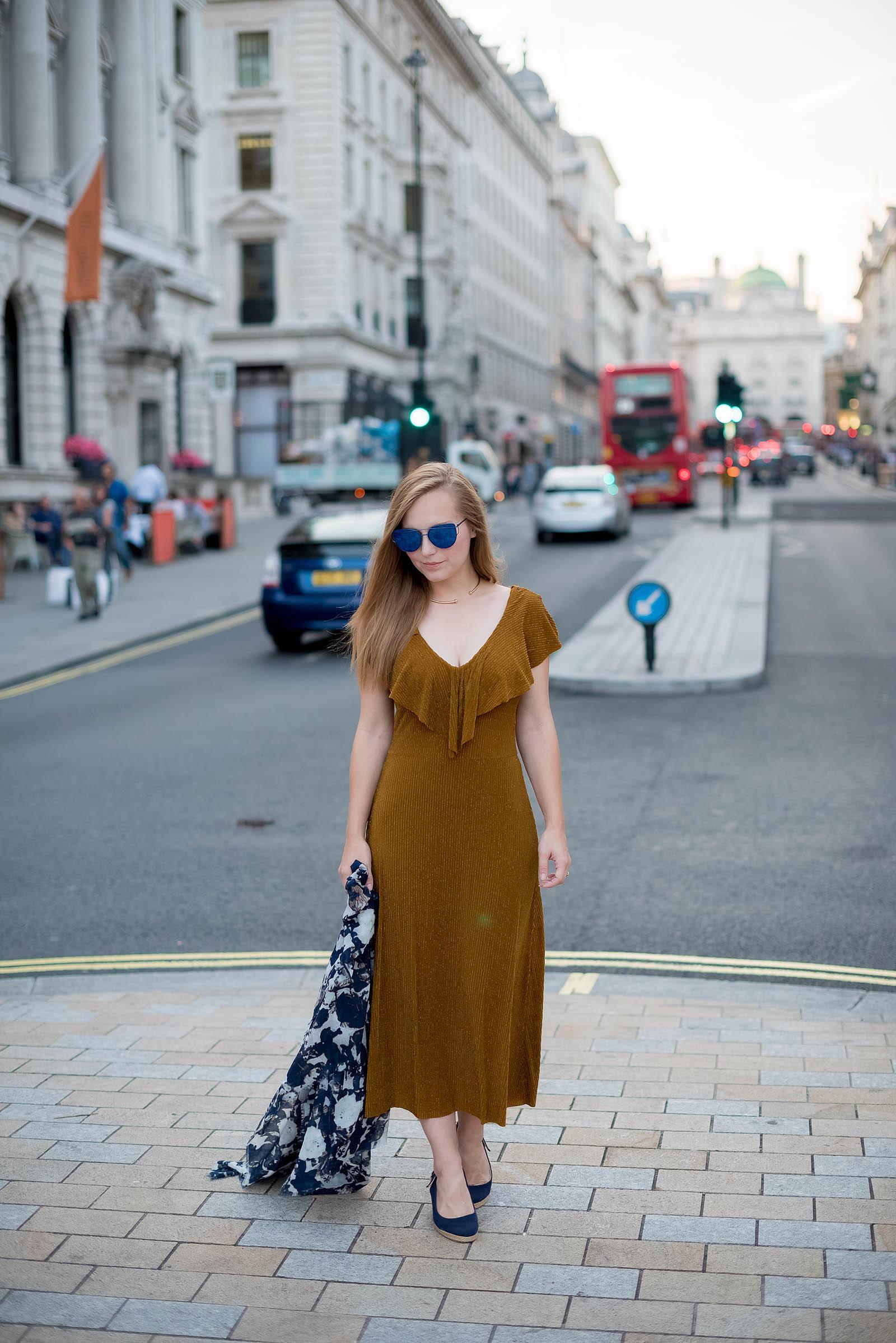 London Style Inspiration Gold Navy