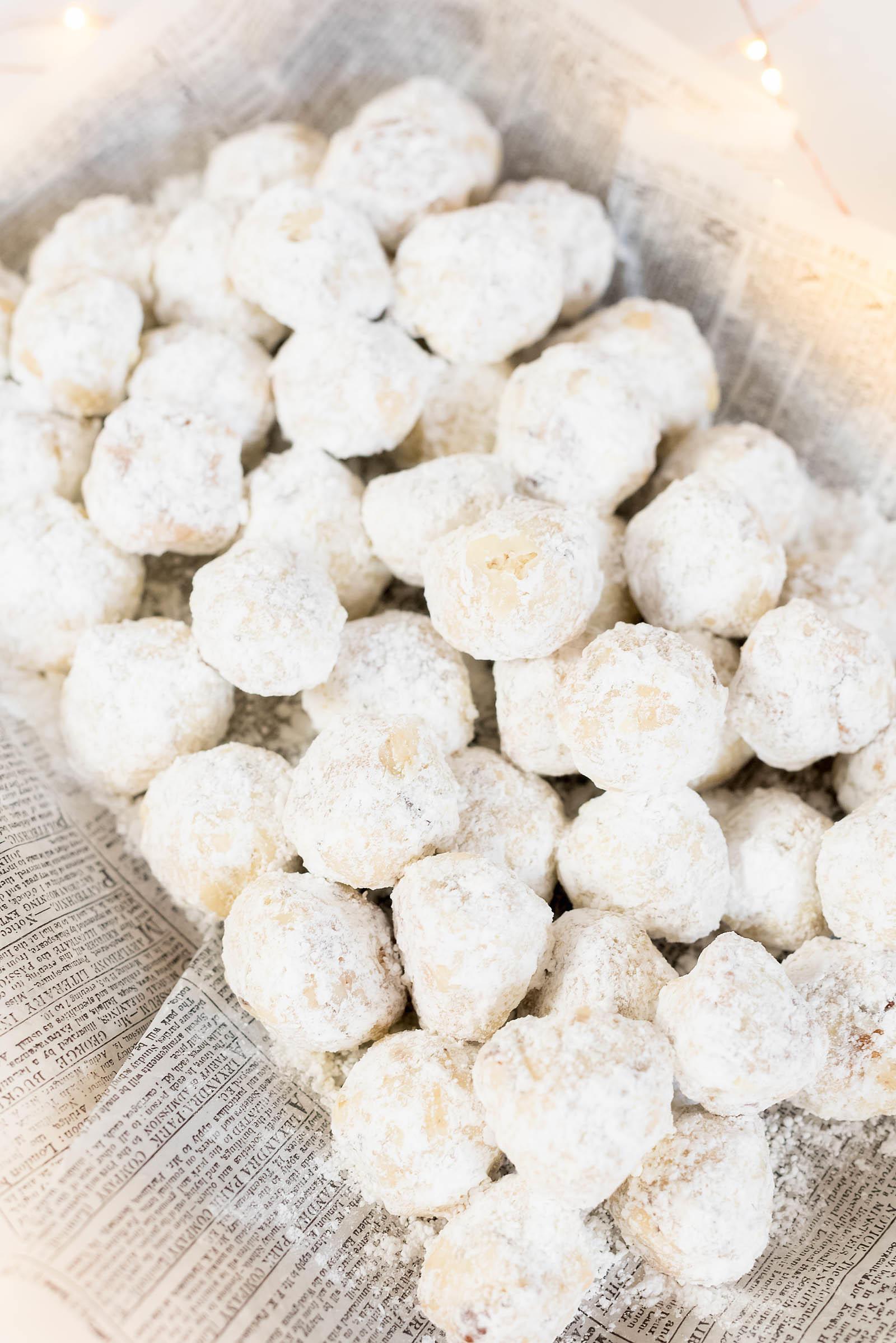 Pecan Snowball Christmas Cookies