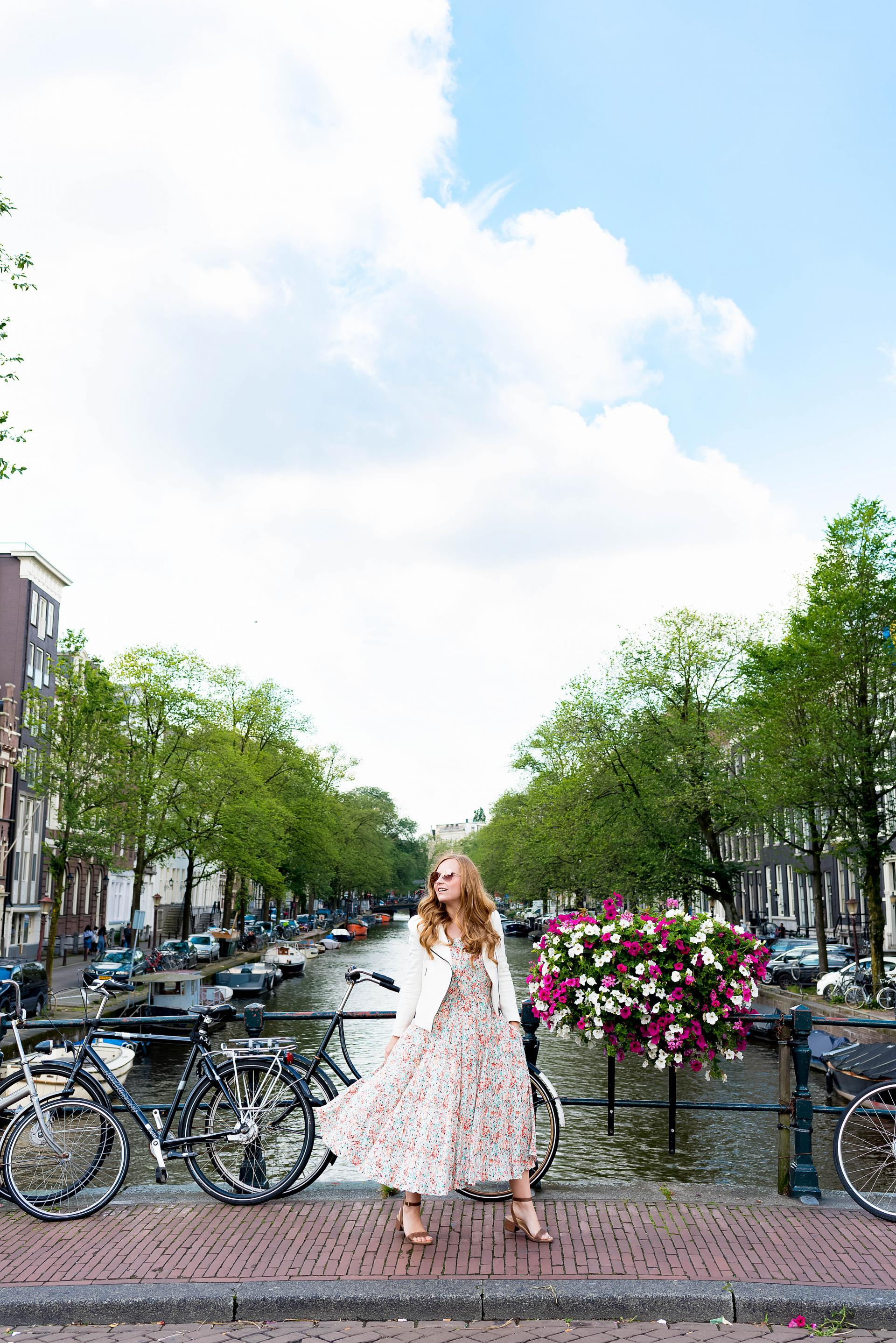 Amsterdam Canals Style