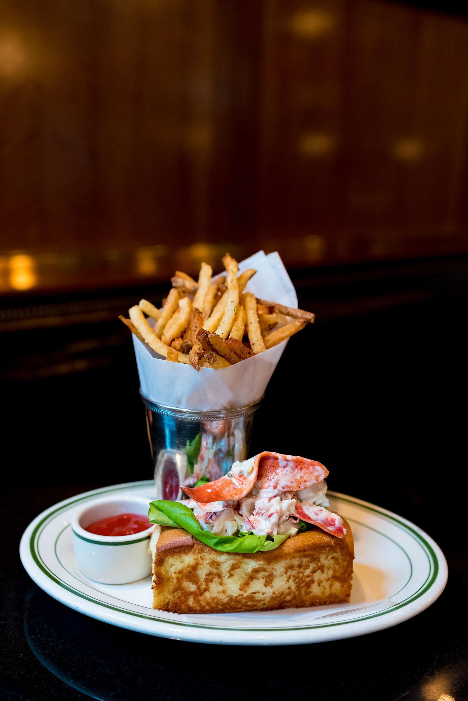 Luxbar Chicago Restaurant