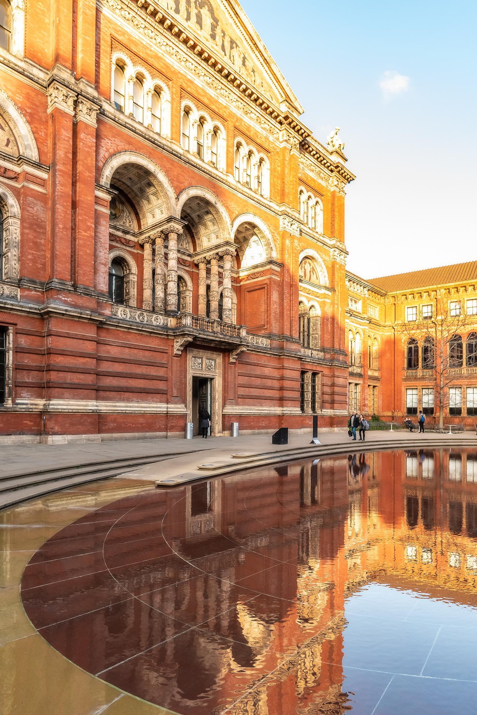 Victoria & Albert Museum London December 2018