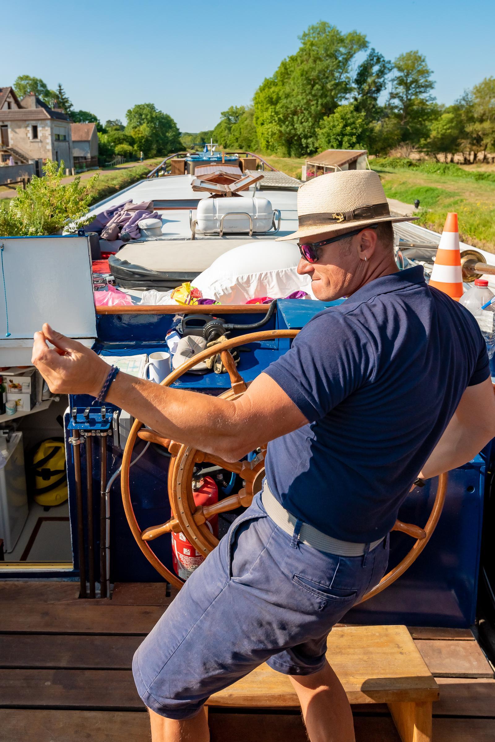 L'Art de Vivre Burgundy Canal Barge Cruise